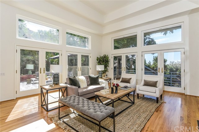 1388 Glen Oaks Bl, Pasadena, CA 91105 Photo 2