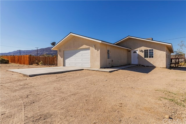 6998 Araby Avenue, 29 Palms, CA 92277