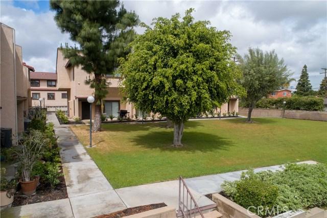 20819 Norwalk Boulevard 11, Lakewood, CA 90715