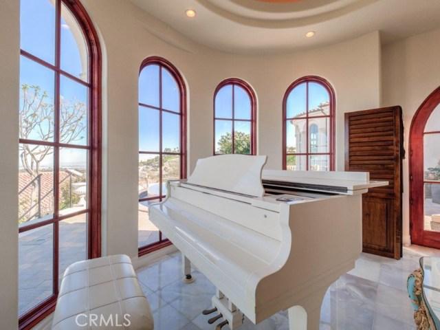 16. 710 Via La Cuesta Palos Verdes Estates, CA 90274