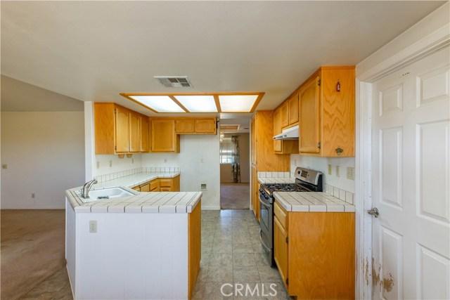 10629 Joshua Rd, Oak Hills, CA 92344 Photo 23
