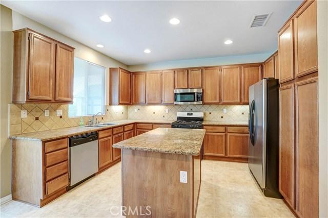 13785 Coolidge Wy, Oak Hills, CA 92344 Photo 11