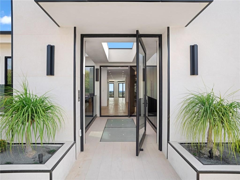 1207 Dolphin | Irvine Terrace (IRVT) | Newport Beach CA