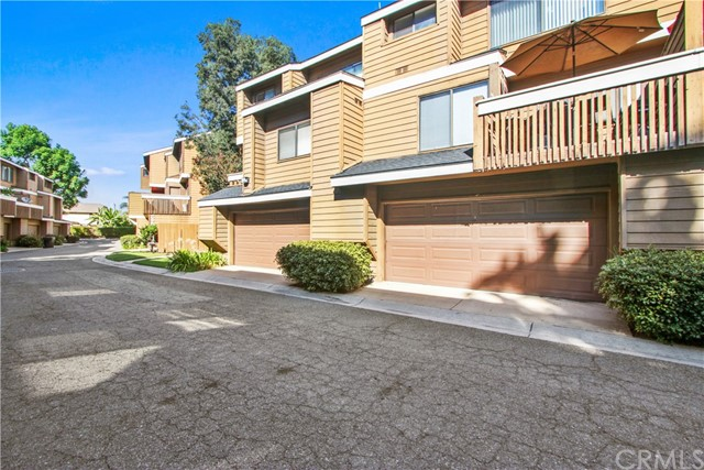 8650 Meadow Brook Avenue B, Garden Grove, CA 92844