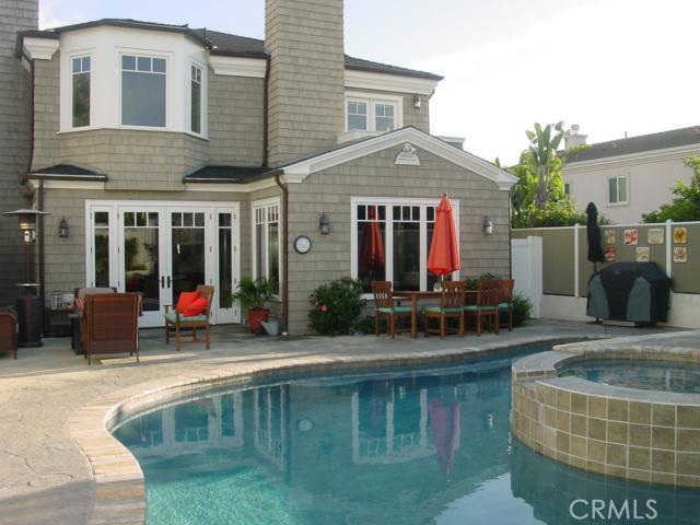 1053 Avenue C, Redondo Beach, California 90277, 5 Bedrooms Bedrooms, ,1 BathroomBathrooms,For Sale,Avenue C,SB14056405