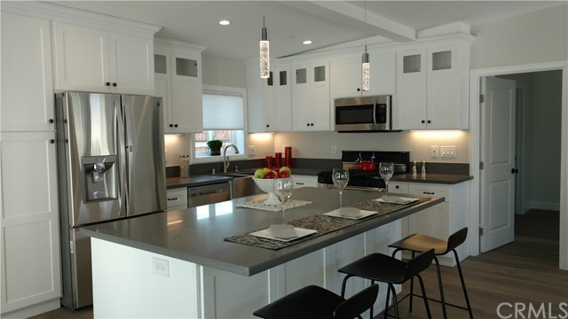 735 30th, Hermosa Beach, California 90254, 2 Bedrooms Bedrooms, ,1 BathroomBathrooms,For Rent,30th,SB18067568