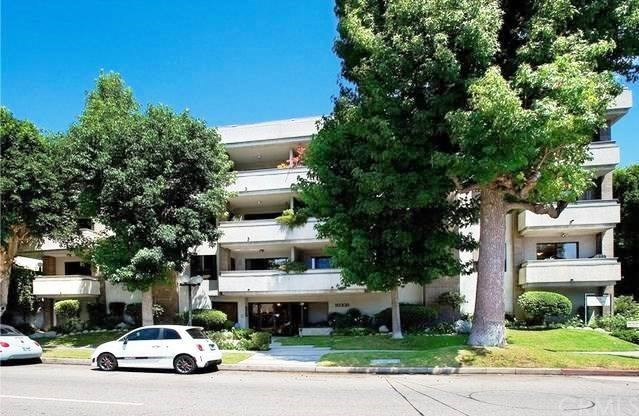 Photo of 10331 Riverside Drive #302, Toluca Lake, CA 91602