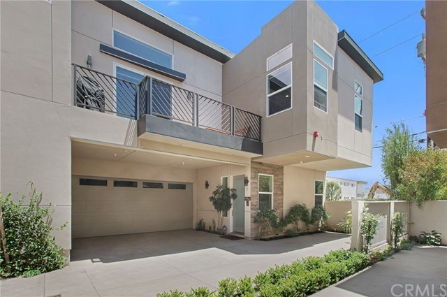2518 Nelson Avenue, Redondo Beach, California 90278, 4 Bedrooms Bedrooms, ,3 BathroomsBathrooms,Townhouse,For Sale,Nelson,SB19176766