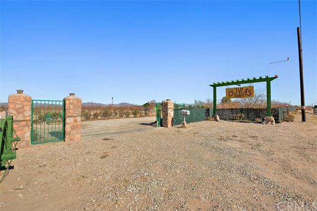 34738 Old Woman Springs Rd, Lucerne Valley, CA 92356 Photo