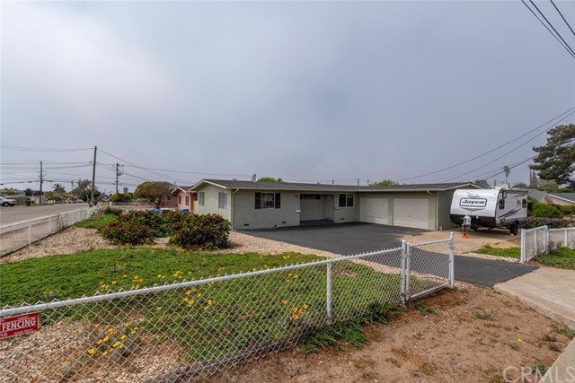 592 S 9th Street, Grover Beach, CA 93433