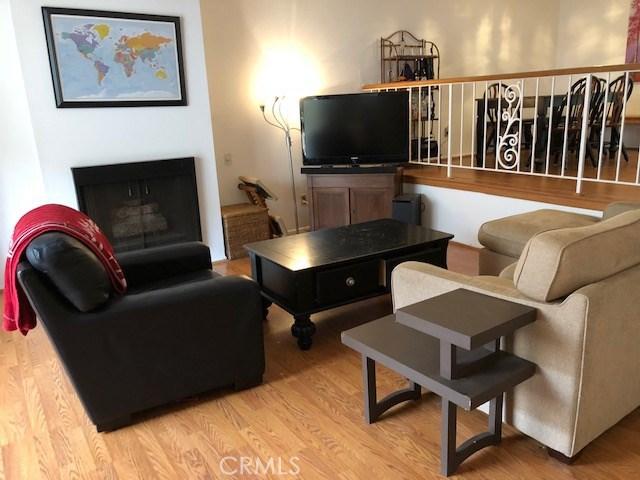 1710 Grant Avenue 19, Redondo Beach, California 90278, 3 Bedrooms Bedrooms, ,1 BathroomBathrooms,For Sale,Grant,SB18076688