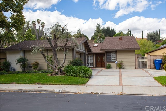 550 Via Zapata, Riverside, CA 92507