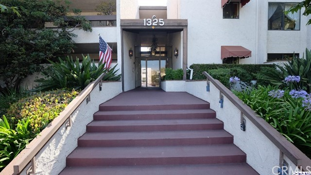 1325 Valley View Road 105, Glendale, CA 91202