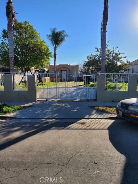 Photo of 15124 S Frailey Avenue, Compton, CA 90221