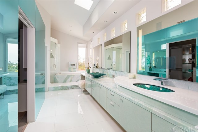 Master Bath/ Walk in Closet