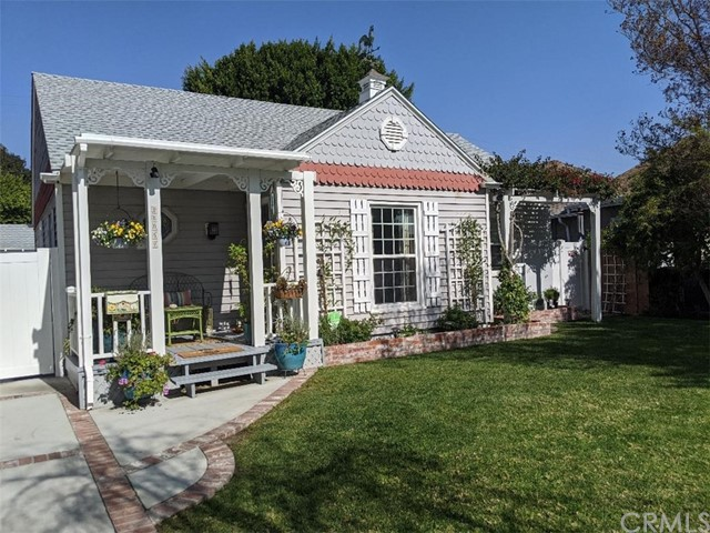 11957 Collins Street, Valley Village, CA 91607