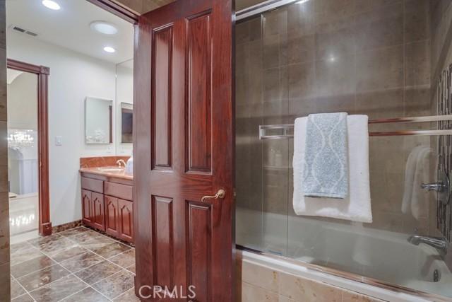 Guest Bathroom Upper Level II