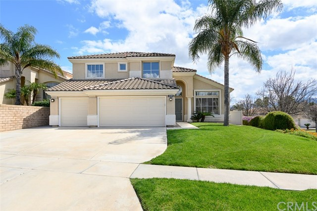 2350 Moonridge Circle, Corona, CA 92879