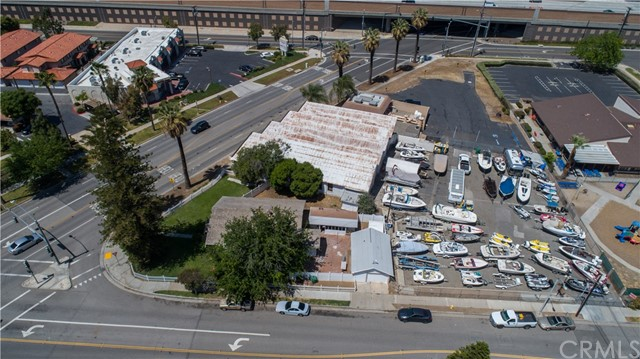 229 W Grand Boulevard, Corona, CA 92882