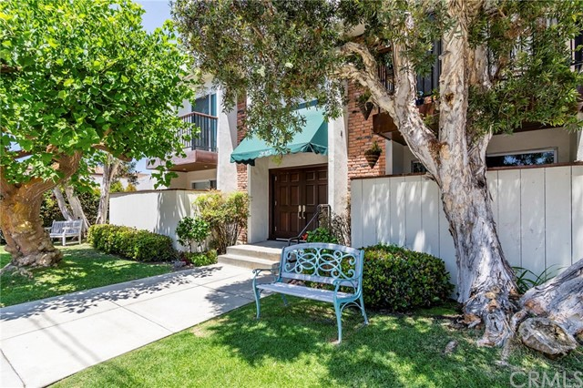 2015 Bataan Road 102- Redondo Beach- California 90278, 3 Bedrooms Bedrooms, ,2 BathroomsBathrooms,For Sale,Bataan,SB18176774