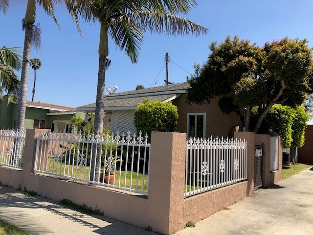 10712 Felton Avenue, Lennox, CA 90304