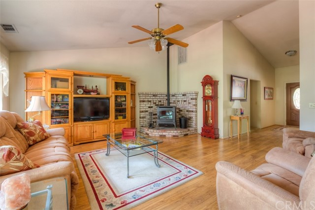4724 Snow Mountain Wy, Forest Ranch, CA 95942 Photo 3