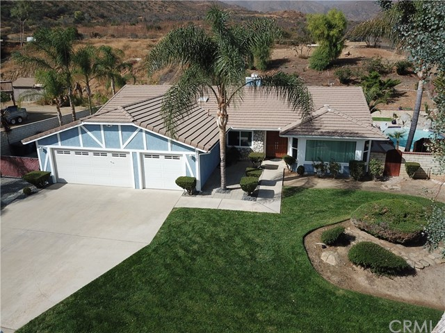 30597 Rockridge Road, Lake Elsinore, CA 92530