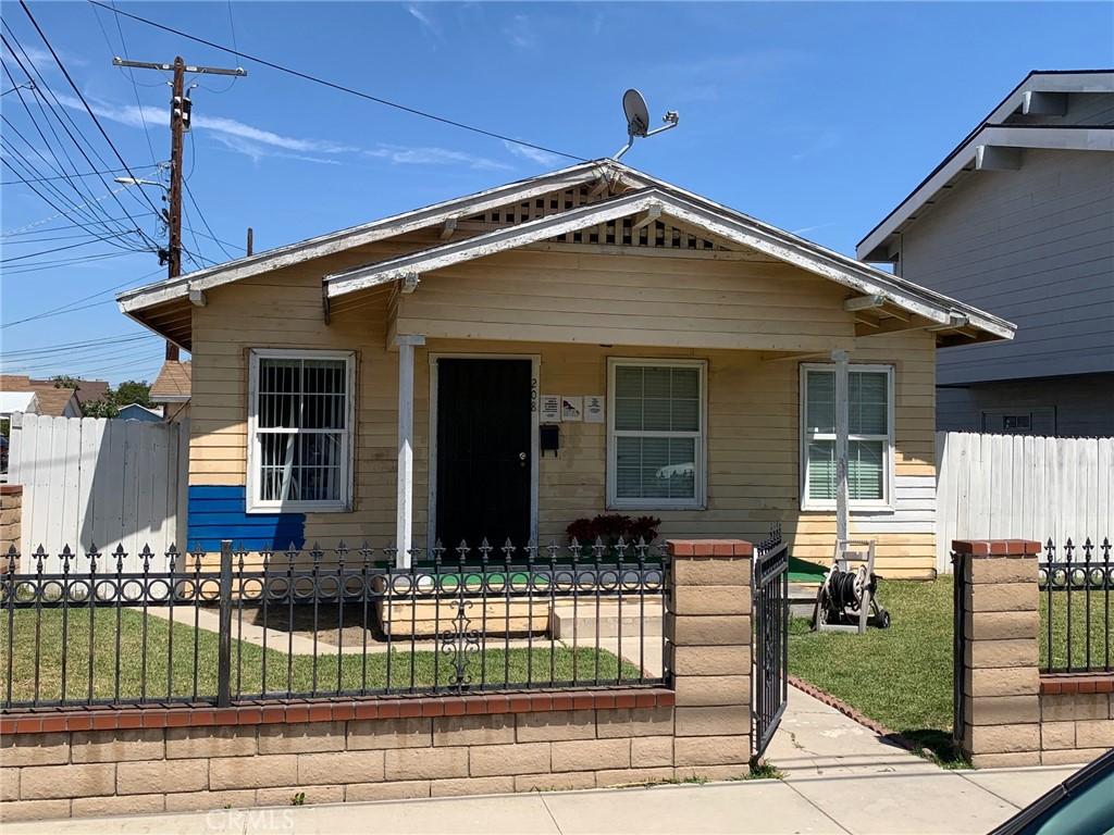 208   N Carleton Avenue, Anaheim CA 92801