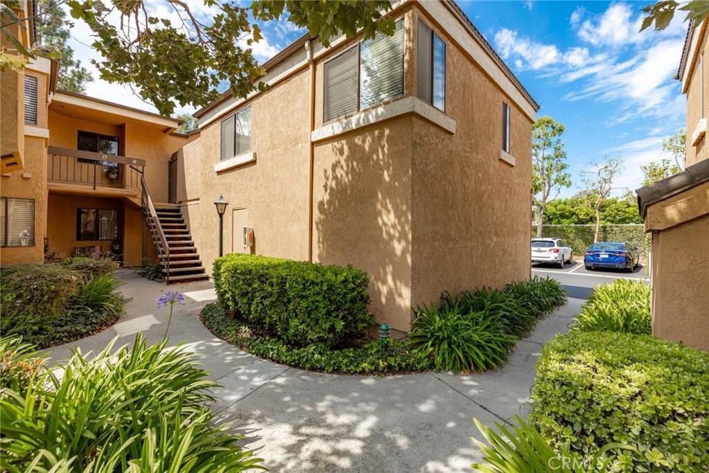 16962     Westwood Lane   16, Huntington Beach CA 92647
