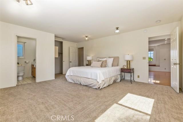 24. 2284 Redlands Newport Beach, CA 92660