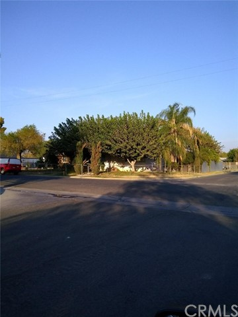1914 Sunshine Avenue, Bakersfield, CA 93307