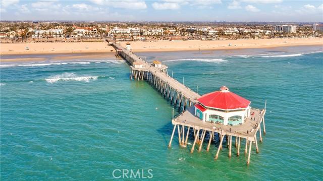 16416 Grimaud Lane, Huntington Beach CA: https://media.crmls.org/medias/b96aa68a-1976-463e-8681-b0d293106899.jpg
