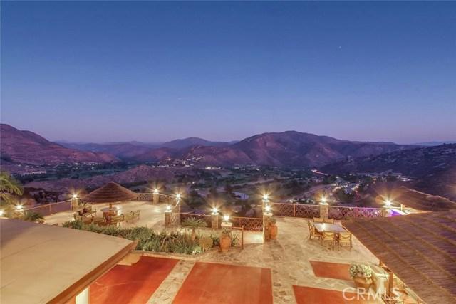 2537 Vista Rodeo Drive, El Cajon, CA 92019