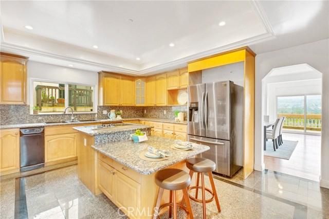 1064 Avenue D, Redondo Beach, California 90277, 5 Bedrooms Bedrooms, ,5 BathroomsBathrooms,For Sale,Avenue D,PW20019171