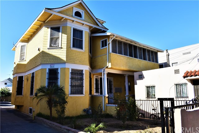1820 W 11th Street, Los Angeles, CA 90006