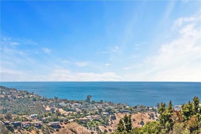 11. 2455 Temple Hills Drive Laguna Beach, CA 92651