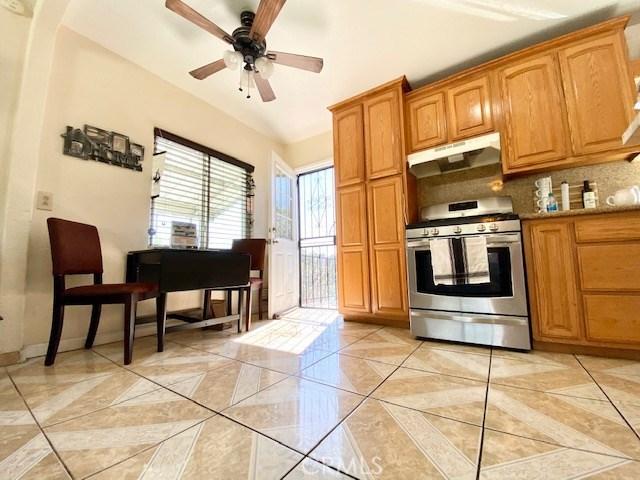 1089 Harris Av, City Terrace, CA 90063 Photo 7
