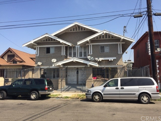 125 W 40th Place, Los Angeles, CA 90037