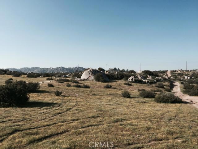 7 Minton Road, Homeland, CA 92548