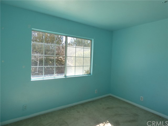 10974 Adobe Rd, Oak Hills, CA 92344 Photo 10