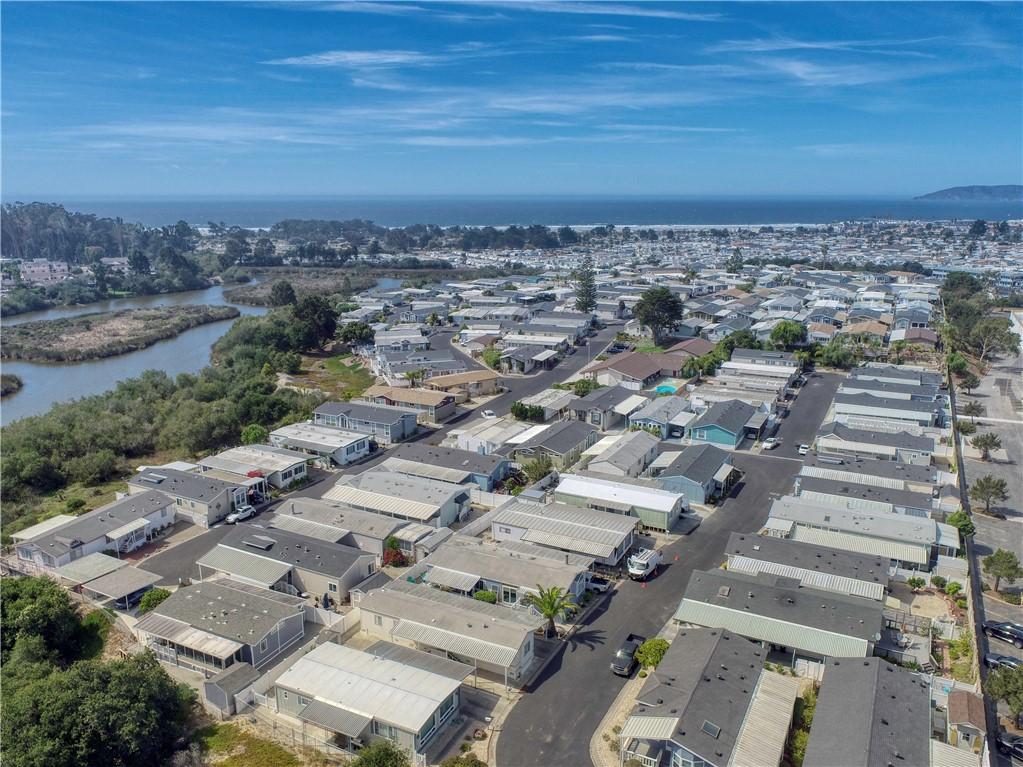 201 Five Cities Drive, Pismo Beach CA: https://media.crmls.org/medias/ba2916a0-a294-4b13-80c9-bd45aecd3305.jpg