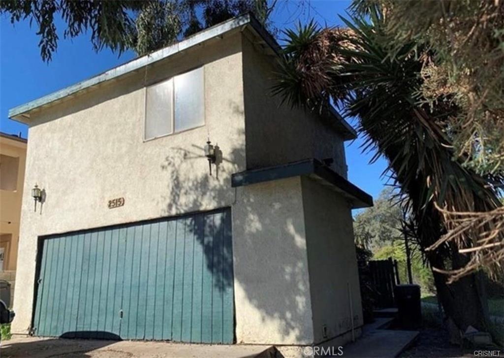 2515   S Orange Drive, Los Angeles CA 90016