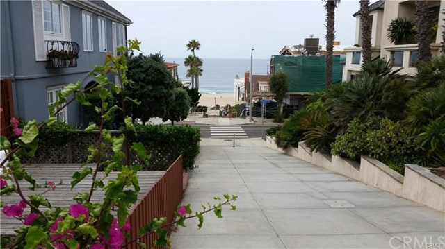 228 29th Street, Manhattan Beach, California 90266, 1 Bedroom Bedrooms, ,1 BathroomBathrooms,For Sale,29th,SB21046749
