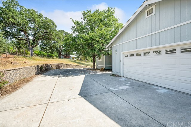 16940 Knollview Dr, Hidden Valley Lake, CA 95467 Photo 2