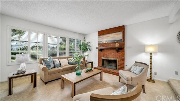 2100 Oak Avenue, Manhattan Beach, California 90266, 3 Bedrooms Bedrooms, ,2 BathroomsBathrooms,For Sale,Oak,SB20253347