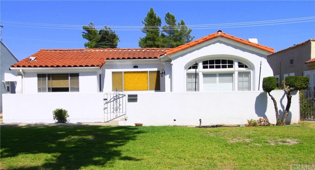 Welcome to 112 Meridian.  This Spanish-style home has been well maintained by the owner.