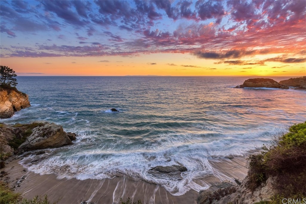 Photo of 92 S La Senda Drive, Laguna Beach, CA 92651