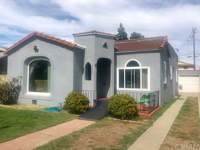 2426 Caspian Avenue, Long Beach, CA 90810