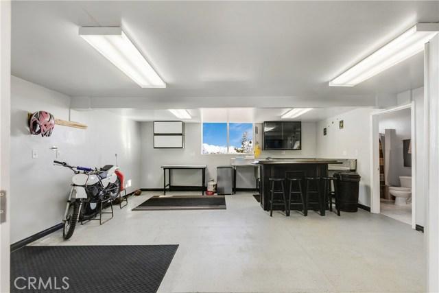 10260 Whitehaven St, Oak Hills, CA 92344 Photo 37