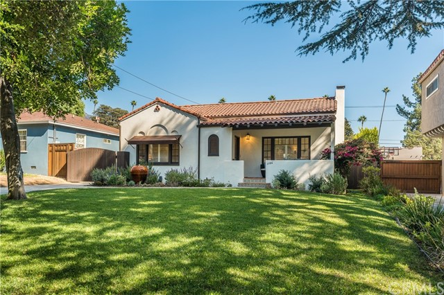 1186 N Holliston Avenue, Pasadena, CA 91104